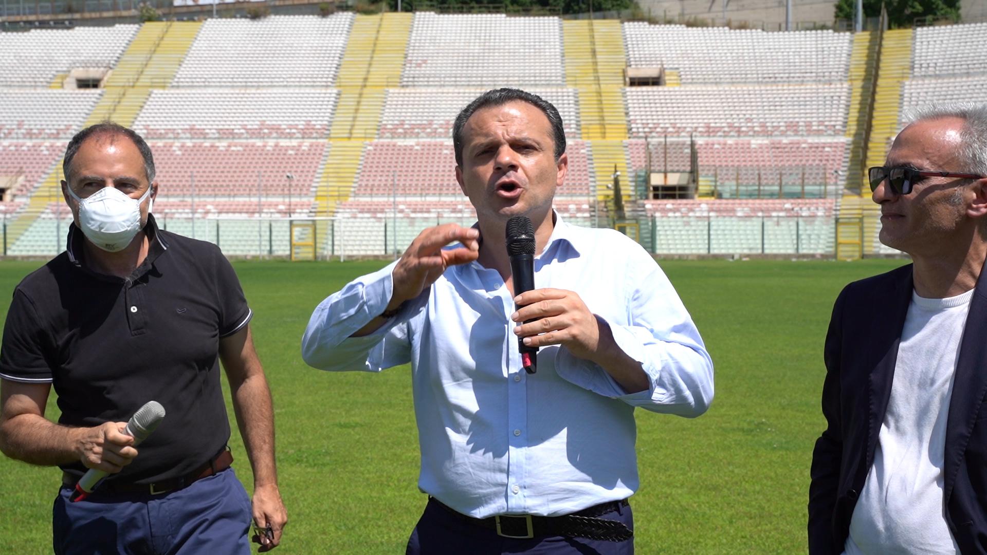 """Stadio Franco Scoglio, De Luca """"forza 3"""": messa a norma, copertura e grandi eventi"""