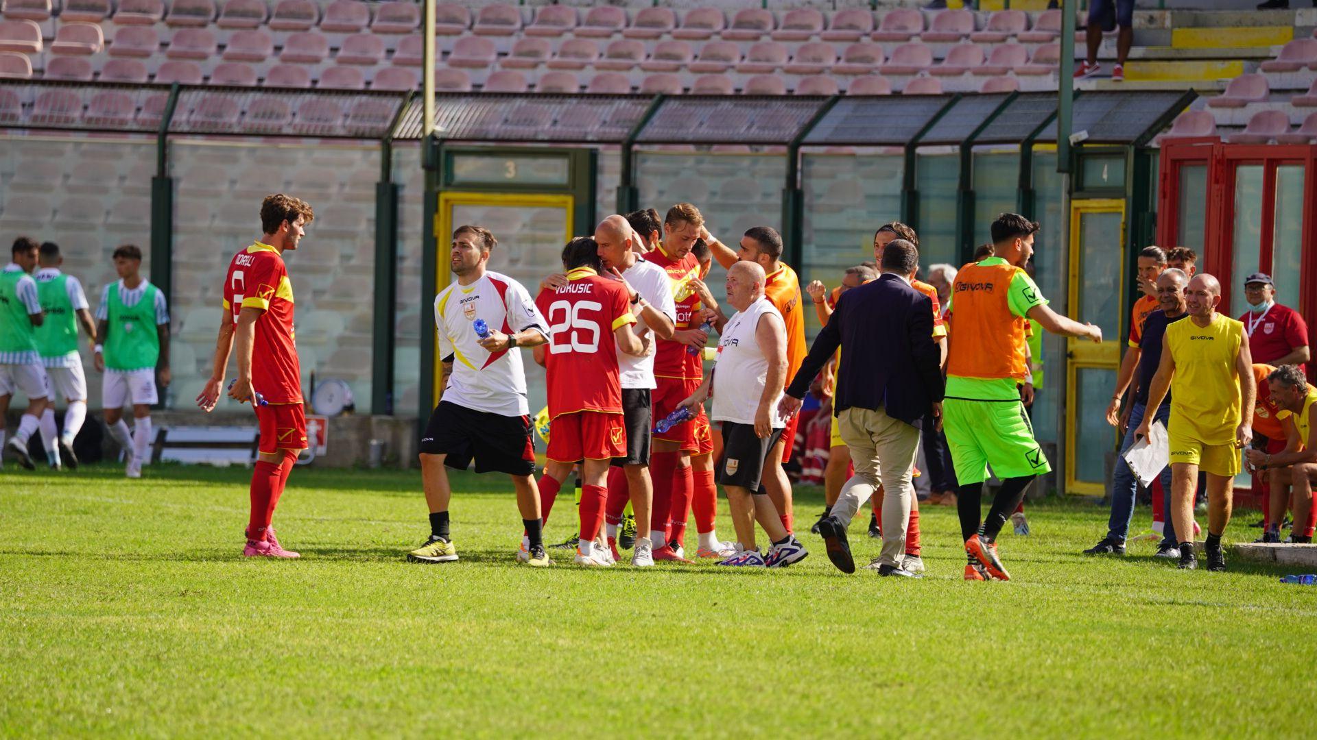 Messina: un brindisi di fame, orgoglio e cuore